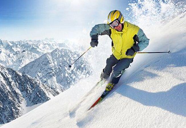 Echipamentul esential pentru ski