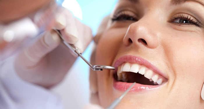 Ce trebuie sa stii despre implanturile dentare?