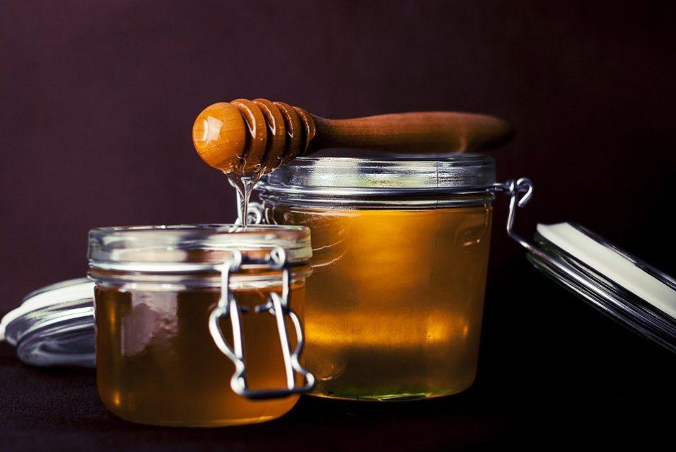 Ce beneficii are mierea de manuka?