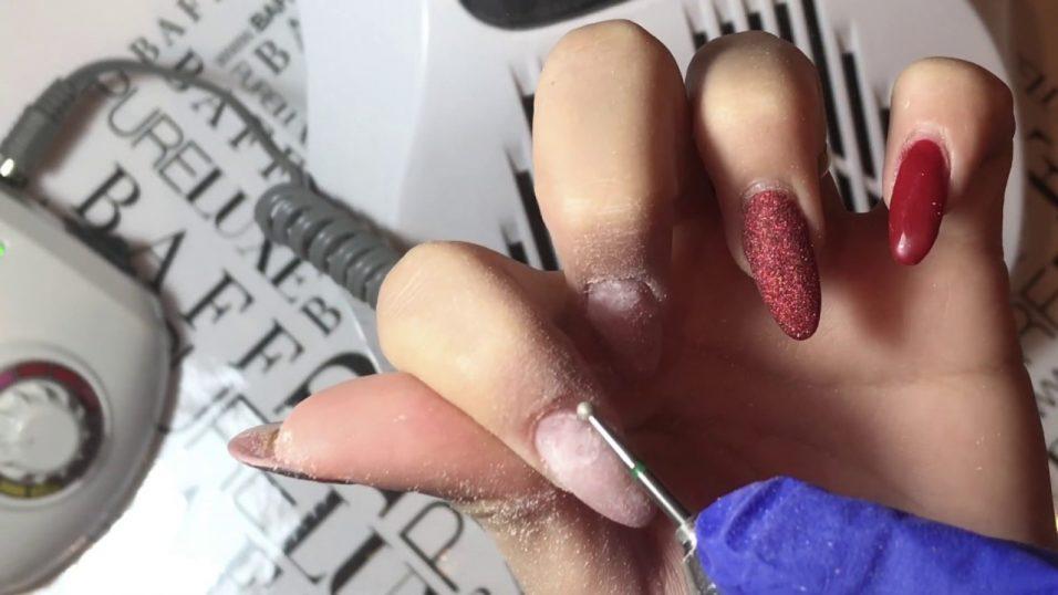 Beneficiile unei pile electrice pentru curatarea perfecta a unghiilor cu gel